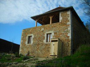 toilette sèches dans un hameau